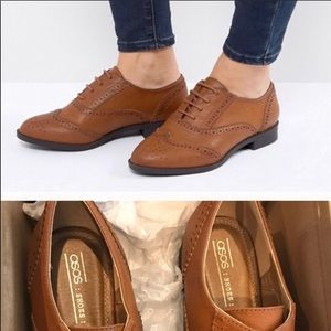 ASOS Manic Wide Fit Brogues in Tan size 9 (UK 7)